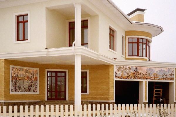 Дом с пейзажем